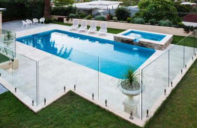 3 reasons to secure your pool with glass fence