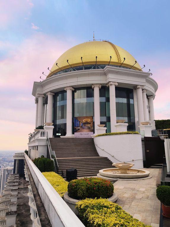 Le restaurant étoilé Mezzaluna se trouve sur le toit de l'hôtel, sous un dôme doré.