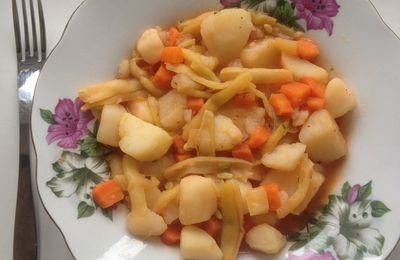 General and vegan stew with potatoes
