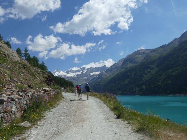 Alpinisme : Dent d'Herens 4171 m - arête de Tiefmatten