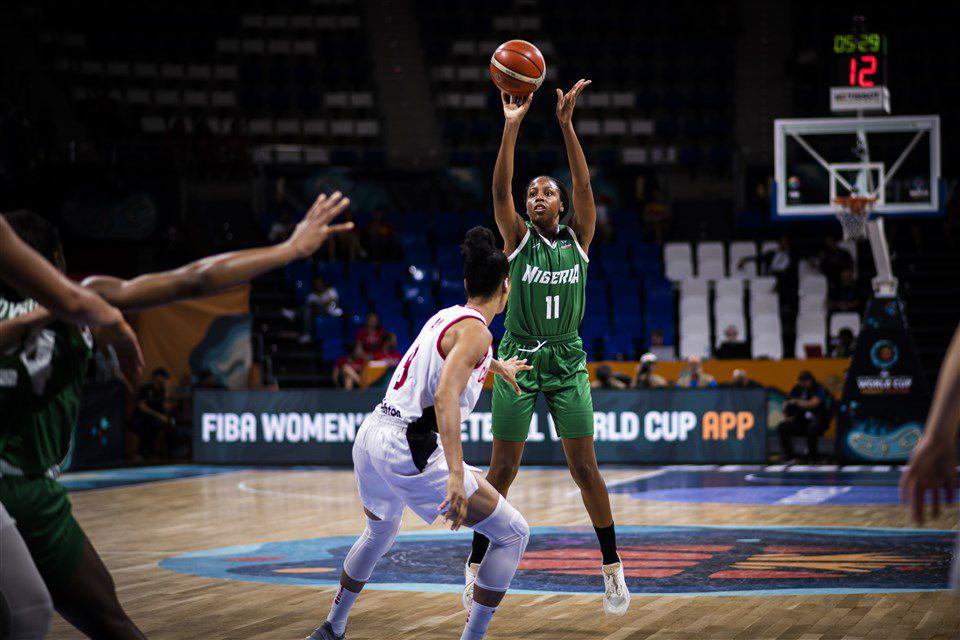 Adaora Elonu en action lors de la Coupe du Monde Féminine FIBA 2018