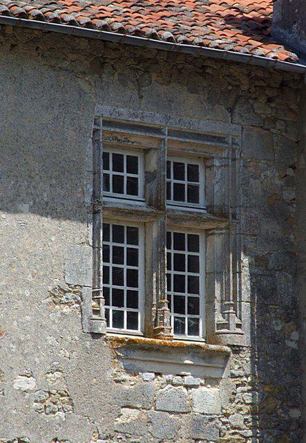 Diaporama de l'église fortifiée et des châteaux de Chillac