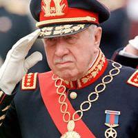 Chili un hommage à Pinochet provoque la colère de manifestants
