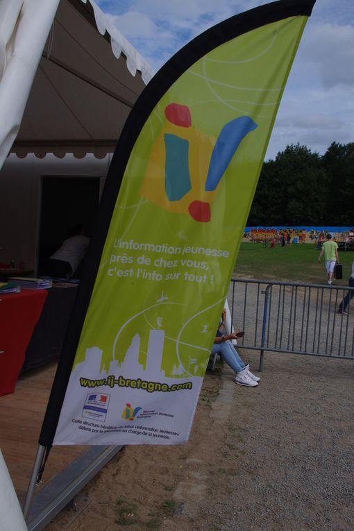 Pour la seconde journée du Festival Quartiers d'été Rennes 2012, de nombreux artistes étaient au programme de la soirée  dont ZEBDA en tête d'affiche