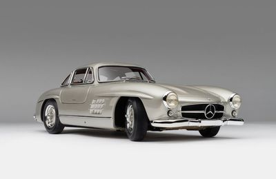 1/8 : La Mercedes 300SL Gullwing somptueusement reproduite par Amalgam