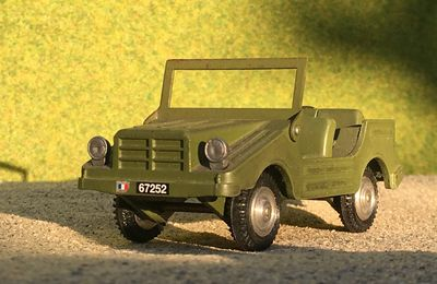 Jeep Auto-Union Gendarmerie  (base Gama - 1/47 - par Jacques F.)