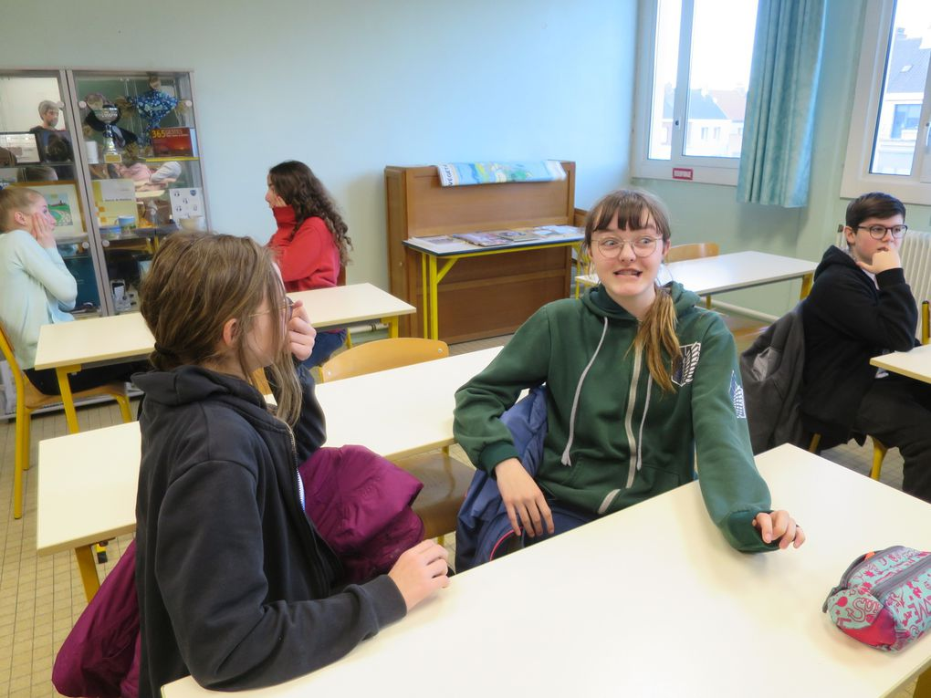 Communication Bullying- How to recognise emotions in oneself and others.
