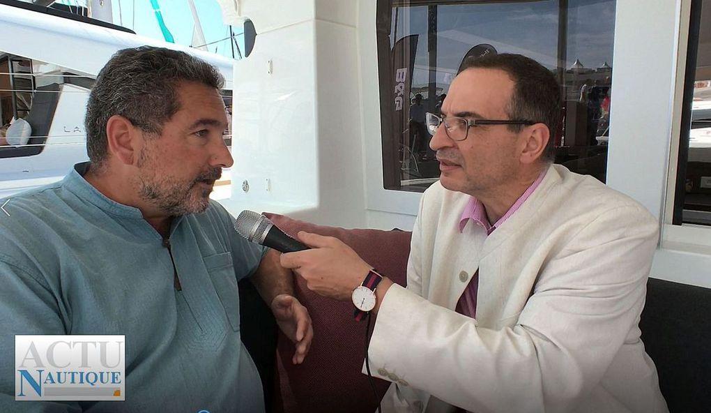 Bruno Belmont, du marketing produit Lagoon, présente le nouveau Lagoon 40 au micro de Nicolas Venance
