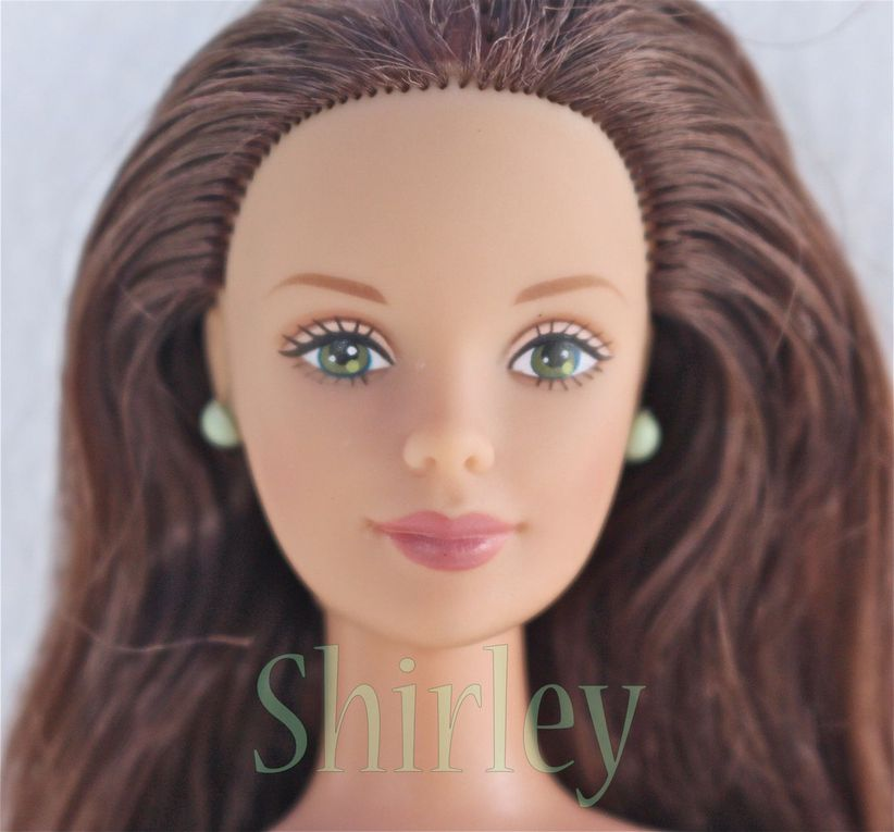 """CORDUROY COOL"" or ""CHIC"" BRUNETTE BARBIE DOLL 1998 MATTEL #24659"