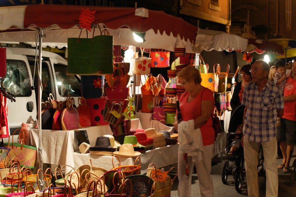 L'association des Commerçants et Artisans organise chaque année un marché nocturne animé, dans le cadre de la fête d'Aigueperse. Flâner, regarder, admirer, essayer, acheter, écouter, discuter, goûter... C'est toujours trop court !