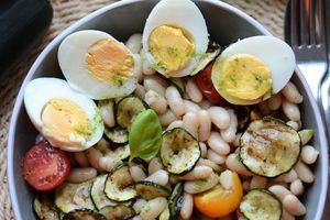 Salade de haricots blanc courgette grillée tomate huile au basilic #végératien