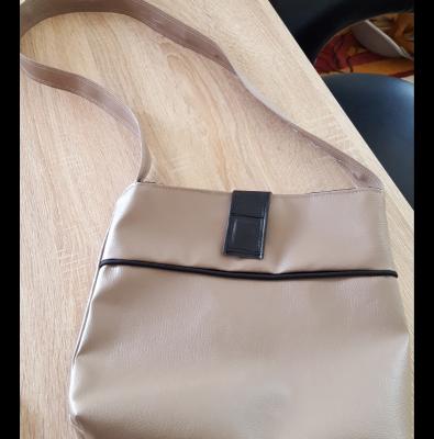 petit sac simili cuir