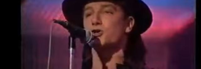 U2 -BBC TV 'Top Of The Pops' - Londres -Angleterre 30-03-1983