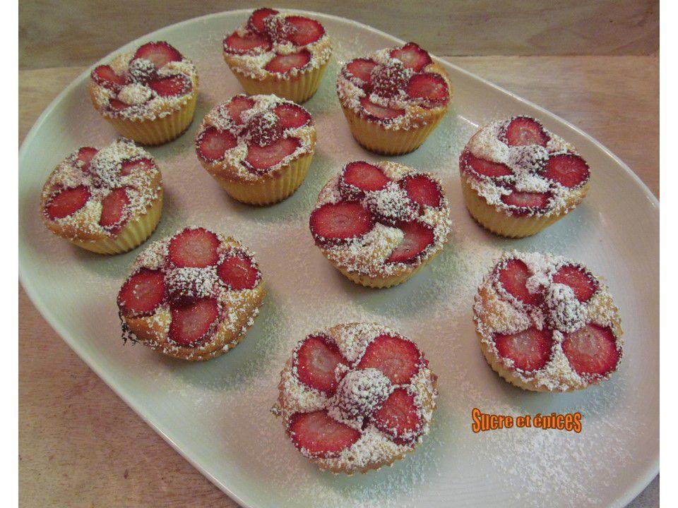 Petits moelleux aux fraises - Recette en vidéo