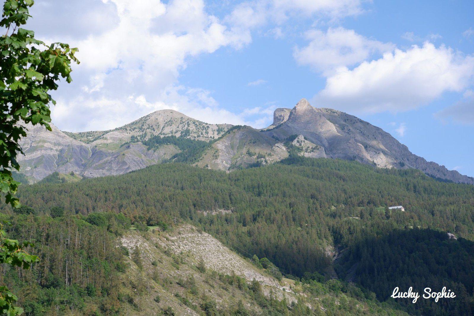 La montagne de la femme couchée ! Vous aussi vous adorez repérer des formes dans les nuages et les montagnes ?!