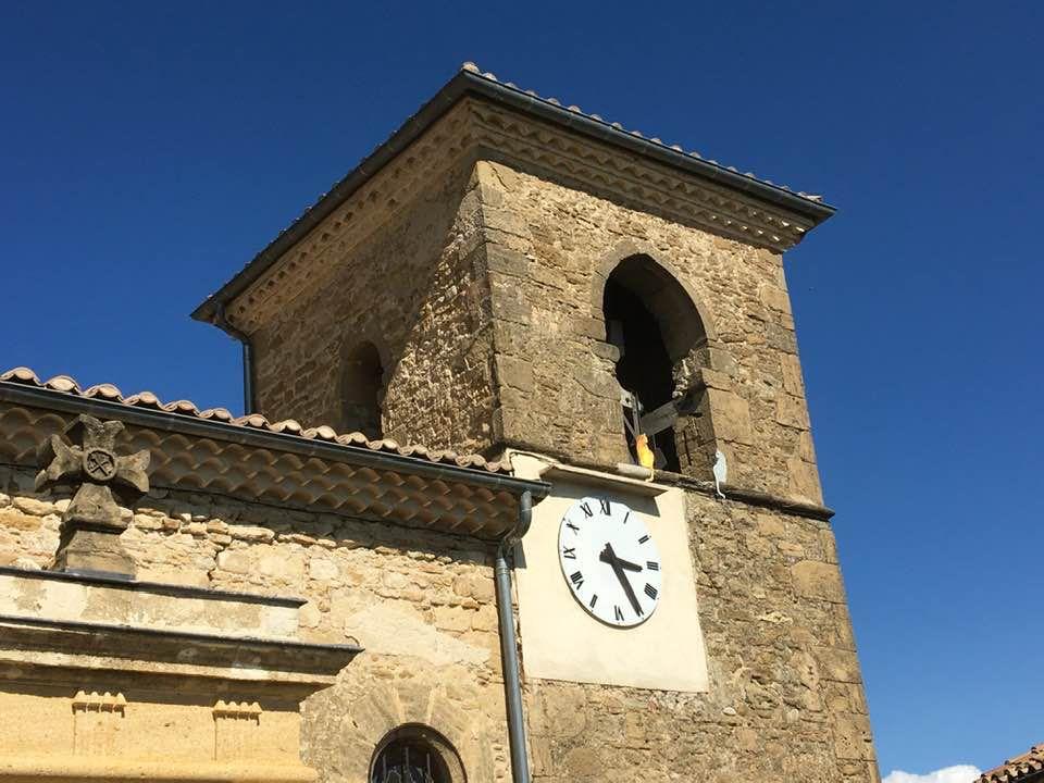 Chabrillan : le clocher de l'église (et ses chats)