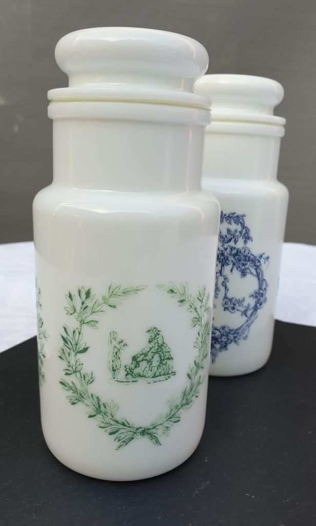 Set 2 pots d'apothicaire opaline vintage Made in Italy H17 - 9 euros