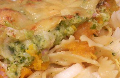 Gratin de pâtes butternut et bacon en sauce de courgettes