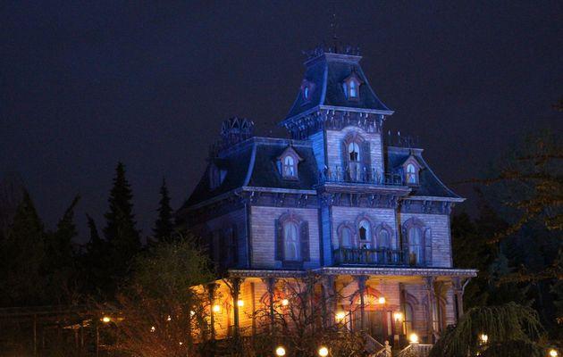 La légende urbaine autour de l'attraction Phantom Manor pendant Halloween à Disneyland Paris !