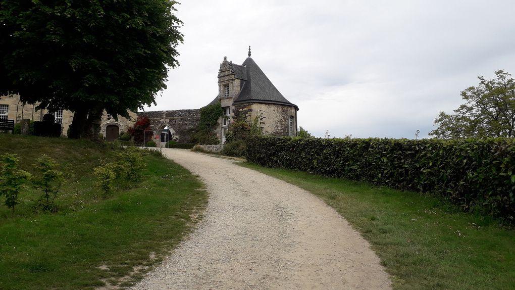 petit village du Moyen- Age