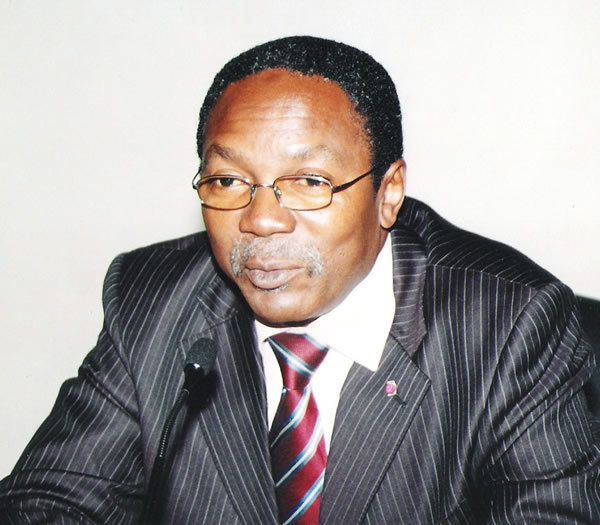 Fritz  Ntone Ntone;« Nous ne sommes pas en train d'organiser la Can. Nous voulons que  la Can se vive très bien à Douala »