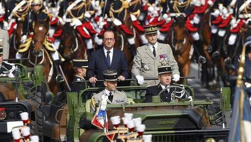 François Hollande hué au défilé du 14 juillet