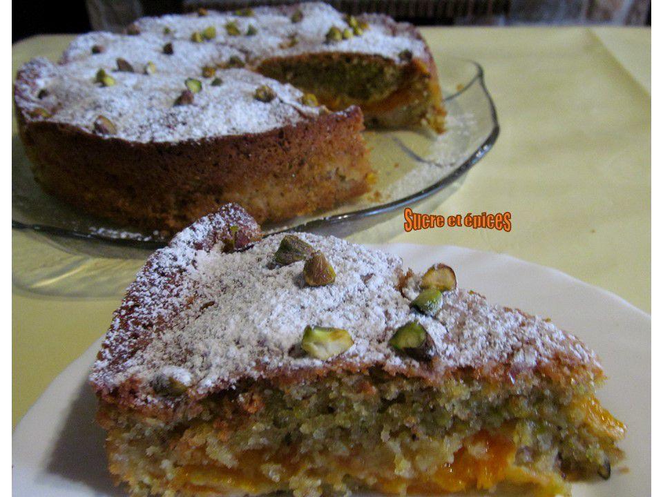 Gâteau moelleux abricots pistaches - Recette en vidéo