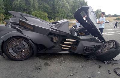 La Batmobile victime d'un accident!