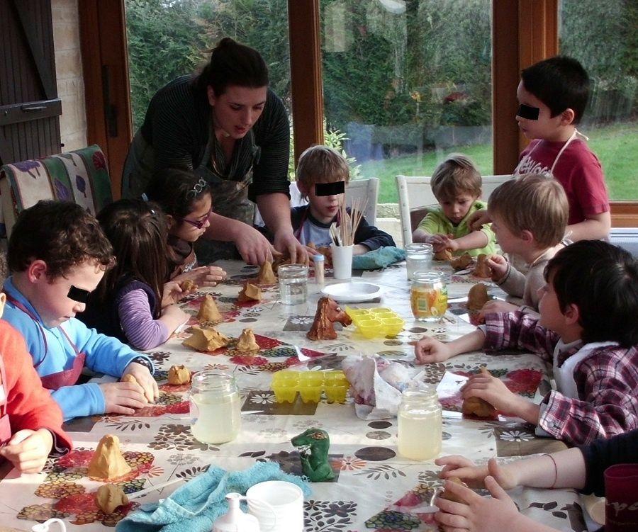 VOici des images des ateliers enfants et des anniversaires. Plusieurs sujet au choix et possibilité de réaliser les envies de chacun.