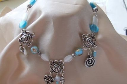 Collier N : 12
