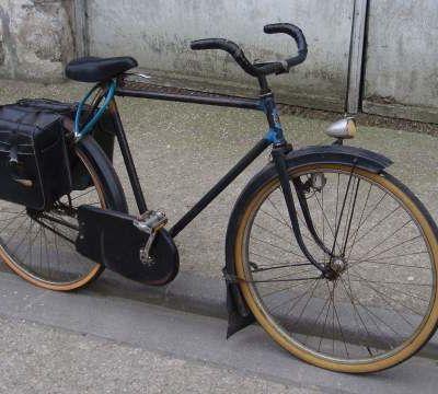Vélo porteur De Dion Bouton.