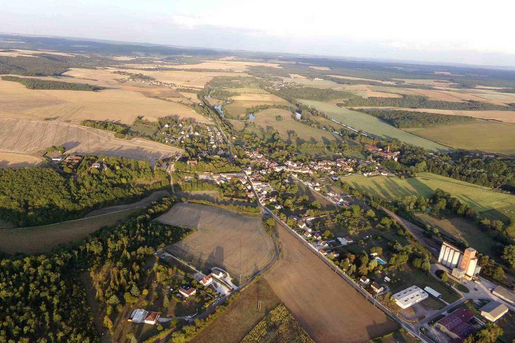 Les villages de Coulanges sur Yonne et de Crain qui se touchent ; impossible de déterminer le début de la fin de l'autre
