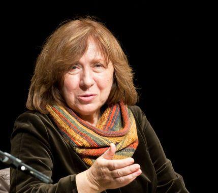 Svetlana Alexandrovna Aleksievitch, un écrivain et une journaliste russophone biélorusse; lauréats du Prix Nobel de littérature, 2015