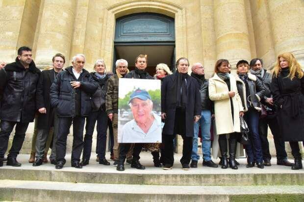 Télé-Loisirs Hommage à Rémy Julienne : sa compagne, Claude Lelouch, Benoît Magimel et d'autres stars ont salué sa mémoire à Paris