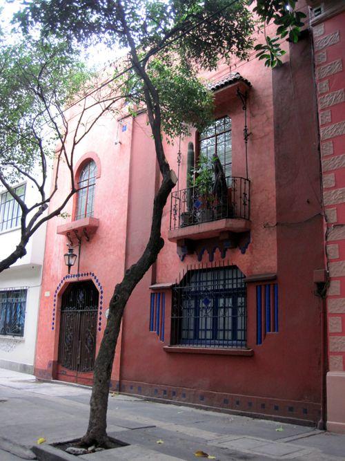 Façades de Mexico City...