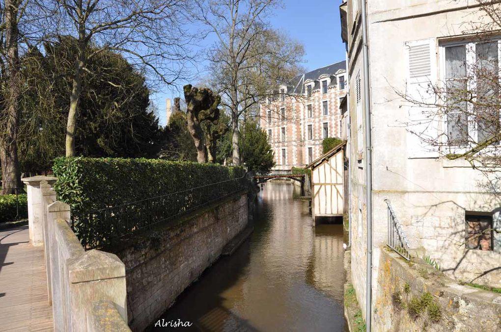 Rencontre entre blogueurs over-blog le 21 mars 2009 dans cette ville du Loir-et-Cher. Découverte de la ville en photos et descriptions.