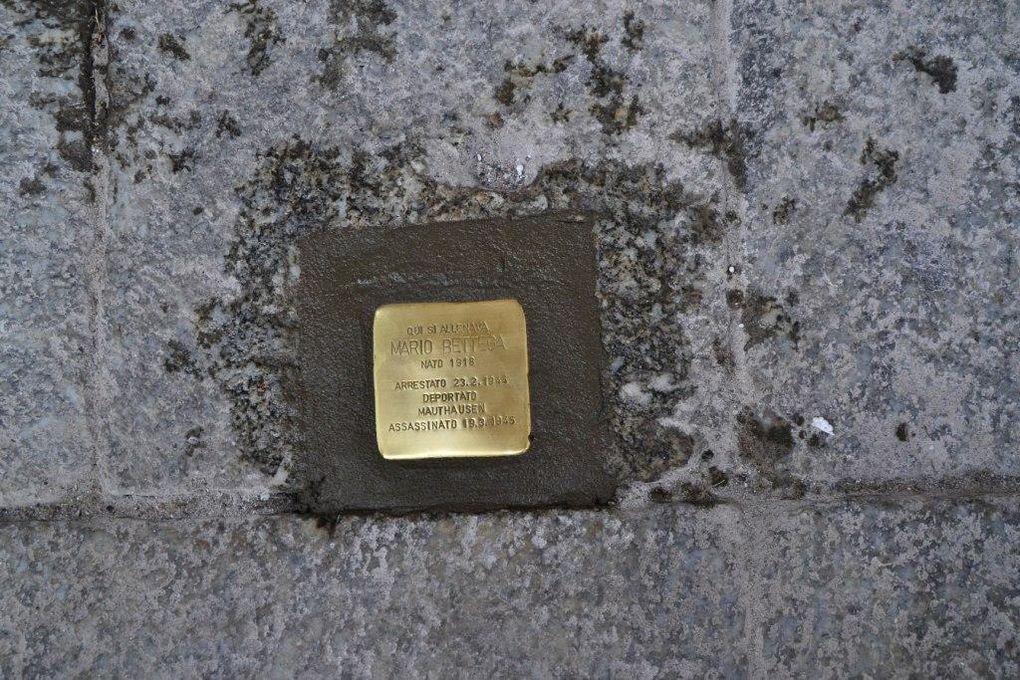 Alcuni momenti della posa della Pietra d'Inciampo dedicata a Mario Bettega