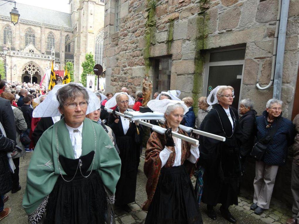 Treguier : Dimanche 22 mai 2016 des milliers de pélerins pour le pardon de Saint Yves