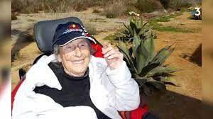 """Une vieille dame centenaire voyage durant 3 ans en camping car. Un livre doit sortir, écrit par sa petite fille """"""""101 ans, mémé part en vadrouille"""""""