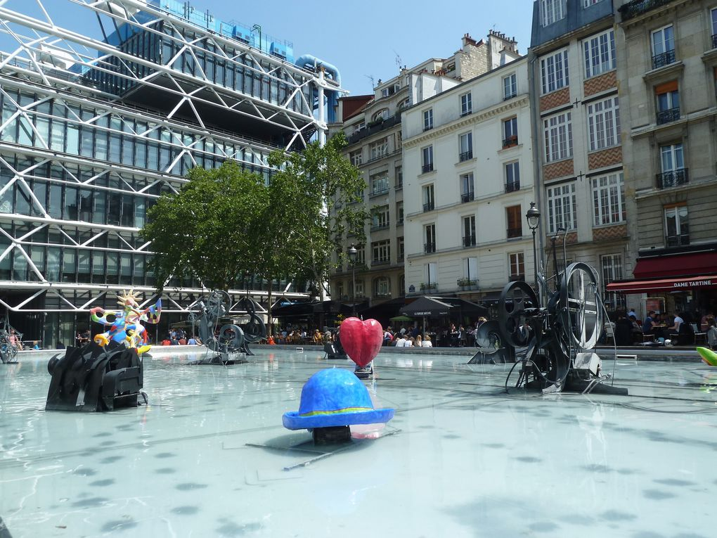 Les bords de Seine, la Tour Saint-Jacques, les Halles, Beaubourg, la Samaritaine...