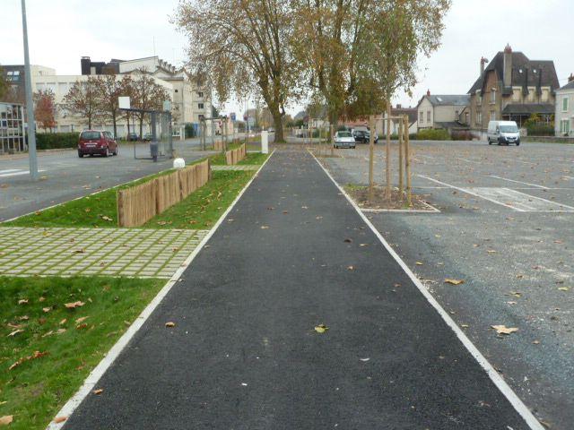 Le long du canal à vélo sans canal...