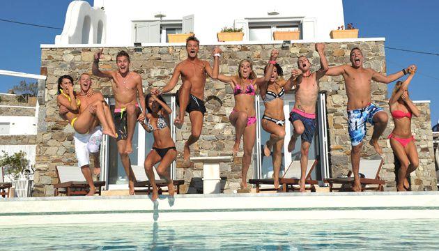 """Audiences : Record pour """"Les Ch'tis débarquent à Mykonos"""" sur W9"""