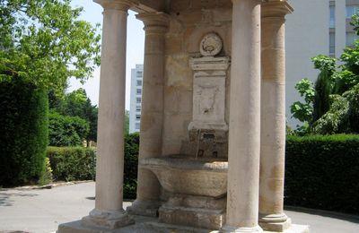Fontaine au Taurobole, Lyon