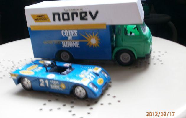 Berliet SG4 et Chevron B23 (Norev)