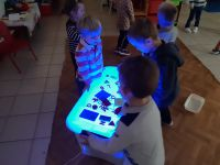 PS-MS : chansons et table lumineuse