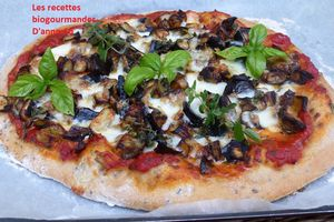 PIZZA VEGETARIENNE AUX AUBERGINES RÔTIES