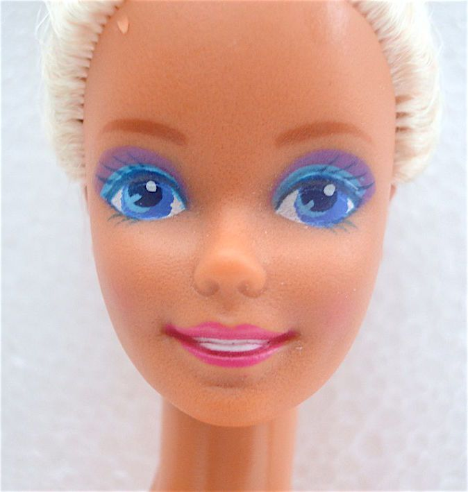"""ST TROPEZ"" BARBIE DOLL 1988 MATTEL #2096"