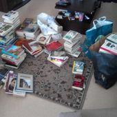 table pour échange de livres ; gros don - crea.vlgomez.photographe et bricoleuse touche à tout.over-blog.com