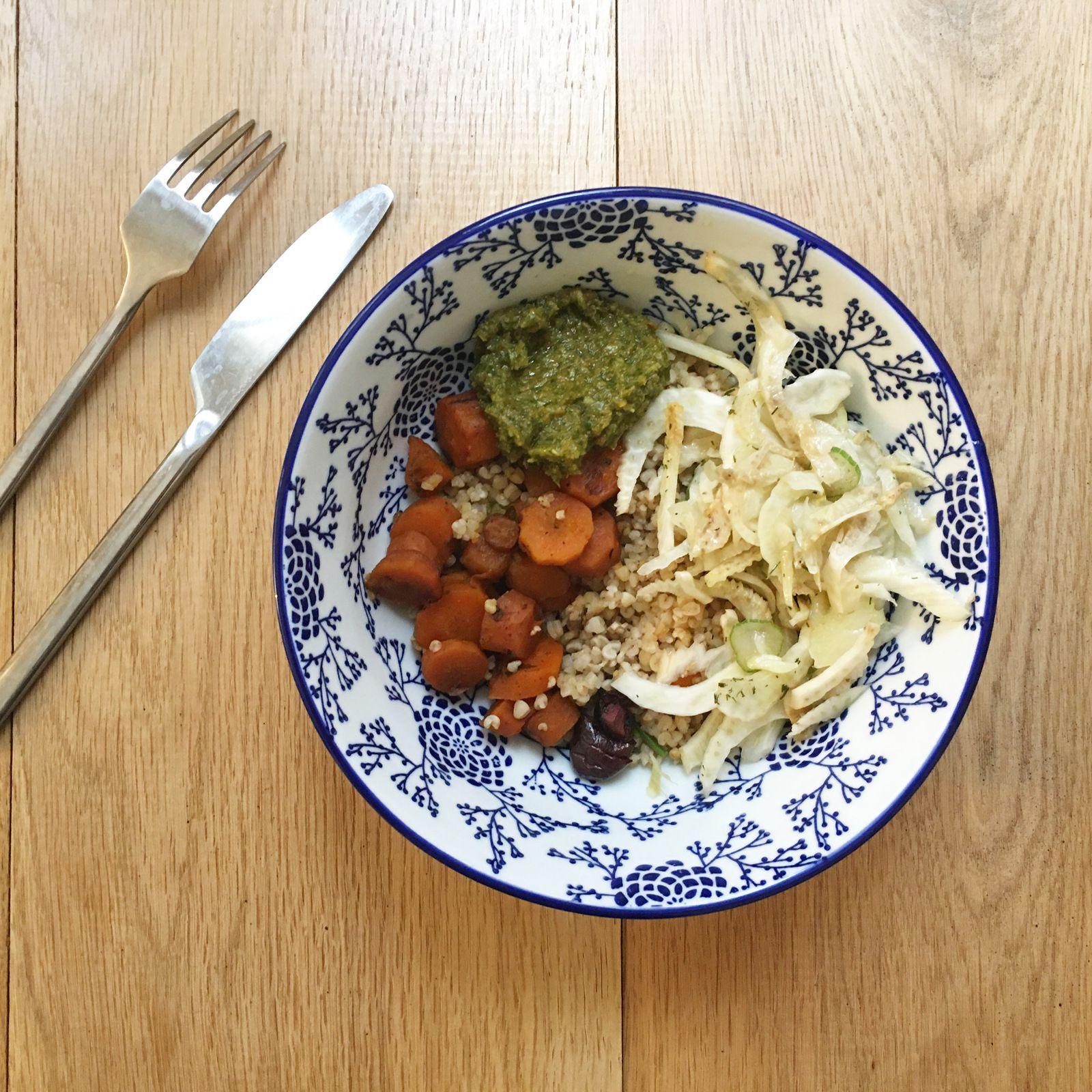 Carottes cumin, harissa et olives violettes, fenouil mariné, chermoula et boulgour