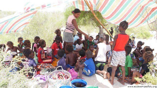 Association une école pour Ampasifoty - Graines de sable